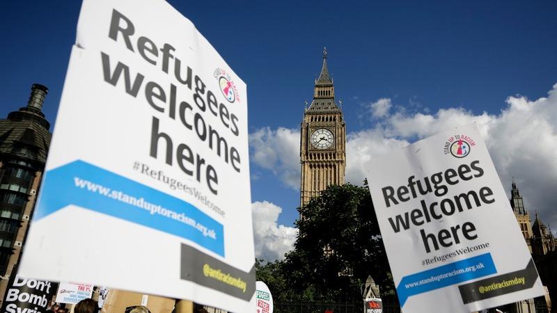 Hundreds of UK landlords offer Syrians homes