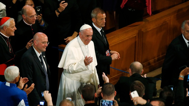 Pope faces tougher crowd on Capitol Hill