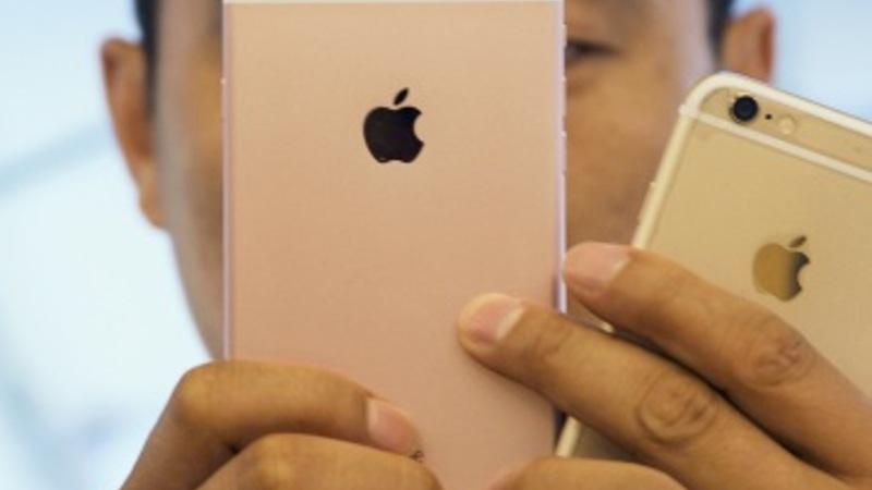New iPhones serve up the juice Apple needs