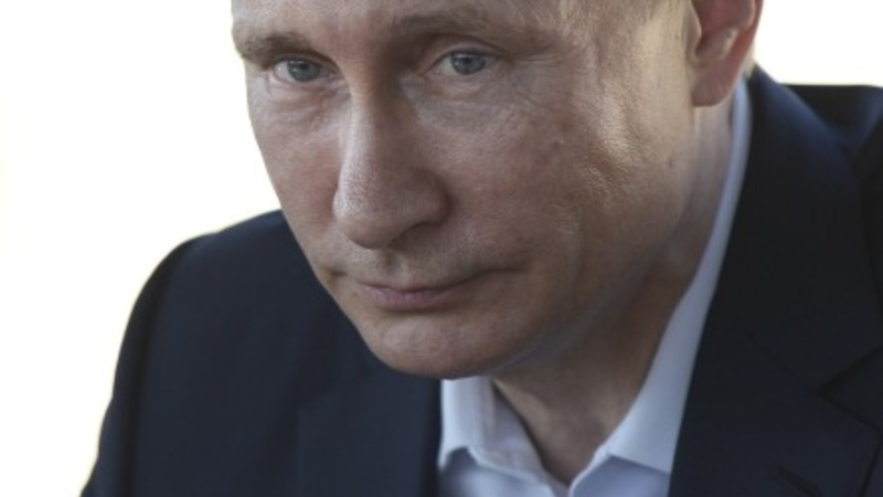 Putin calls U.S. support for Syrian rebels illegal
