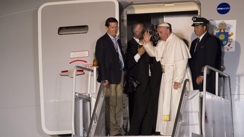 Pope's historic trip comes to an end