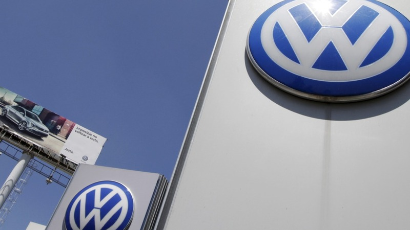 Former VW chief to face fraud investigation