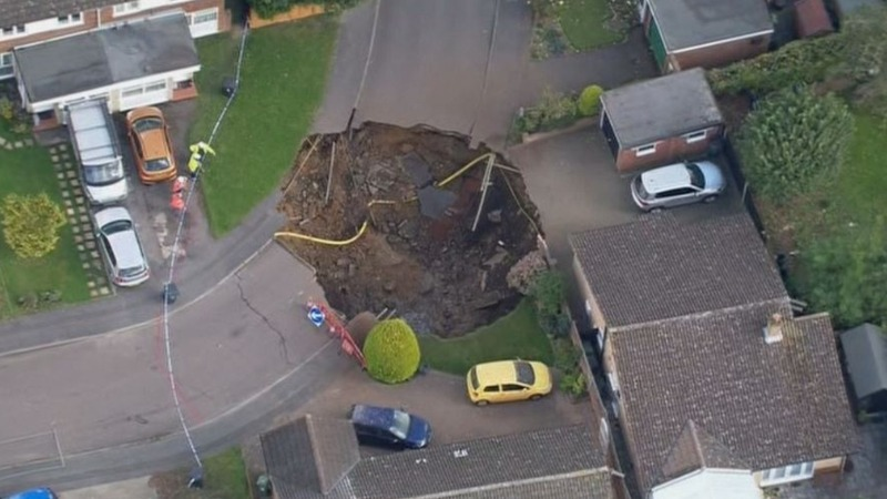 Huge sinkhole opens up near London