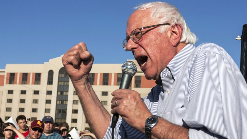 Sanders closing cash gap with Clinton