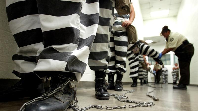 Senators unveil sentencing reform push