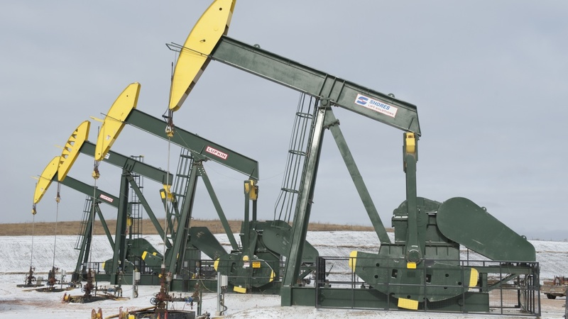 Cannibals in the oil fields