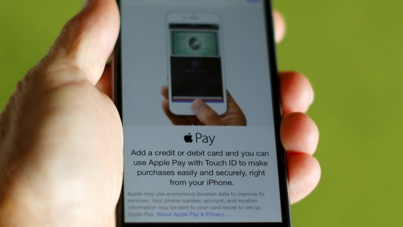 A year in, Apple Pay struggles to cash in