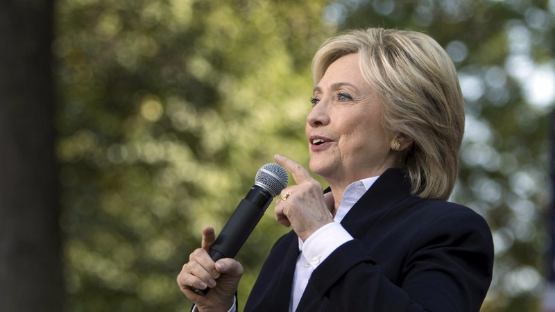 Clinton pans Obama's Asia trade deal