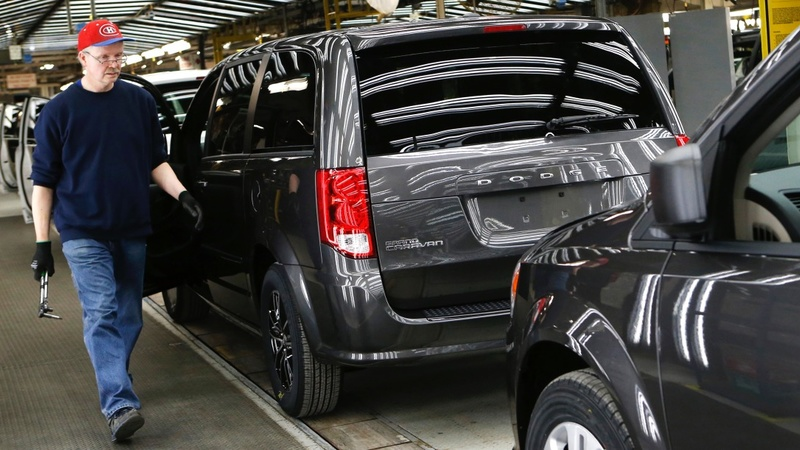 Tentative deal averts Chrysler factory strike