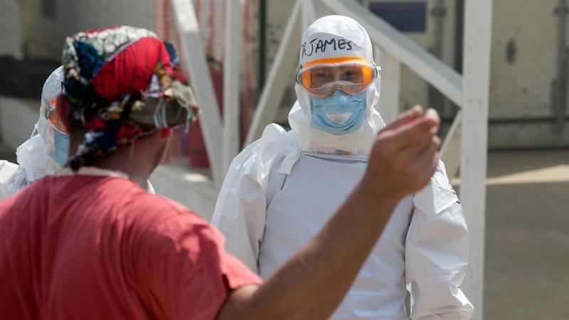 UK Ebola nurse back in hospital