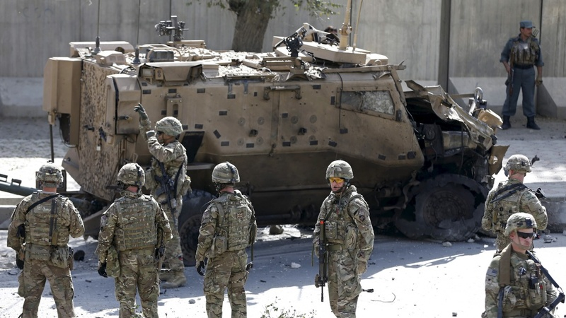Suicide car bomb hits UK troops in Kabul
