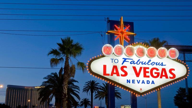 Clinton faces high stakes in Vegas debate