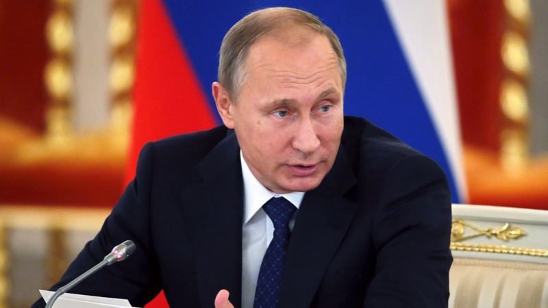 Putin defends Russian role in Syria