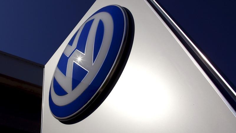 VW suffers recall blow, U.S. exec turmoil