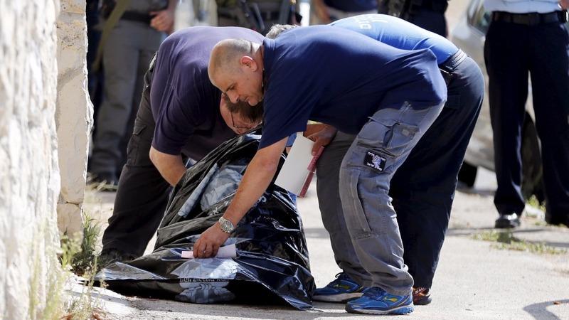 Israel thwarts knife attacks, kills Palestinians