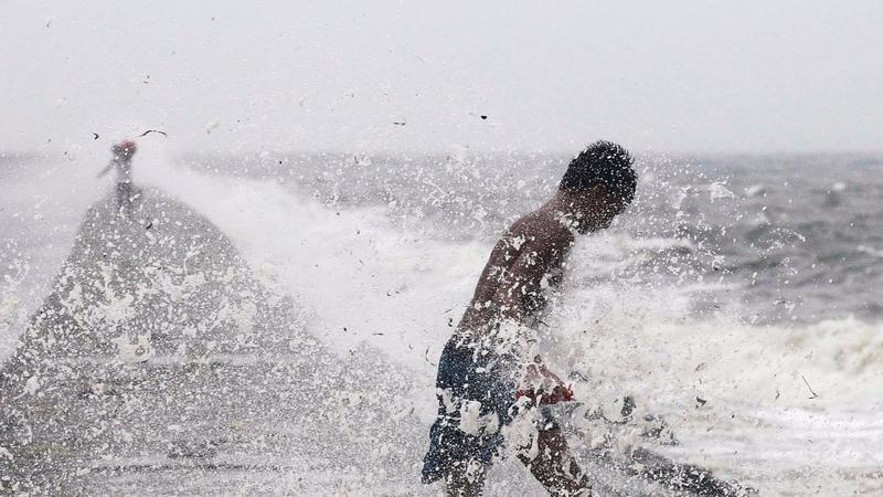 Typhoon Koppu wreaks havoc in Philippines