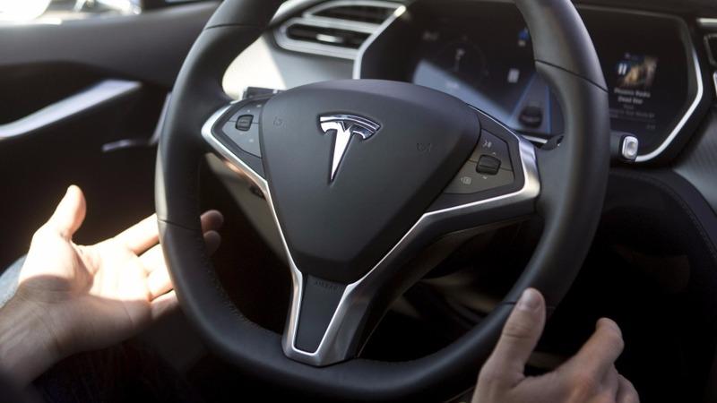 Tesla sinks as Consumer Reports hits brakes