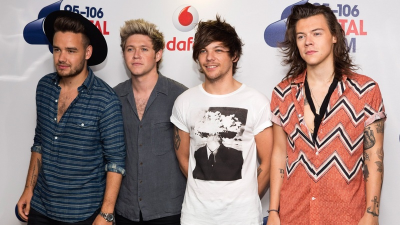 One Direction booed by disappointed fans