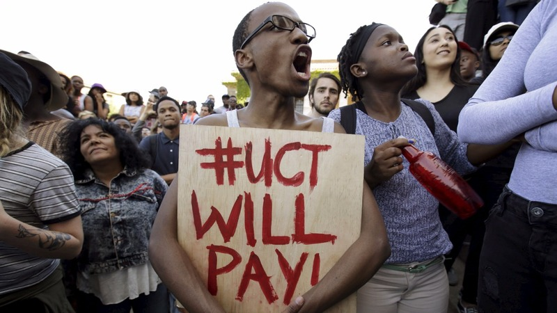 South African police in student face-off