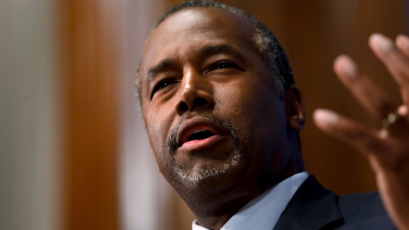Ben Carson surges past Trump in Iowa