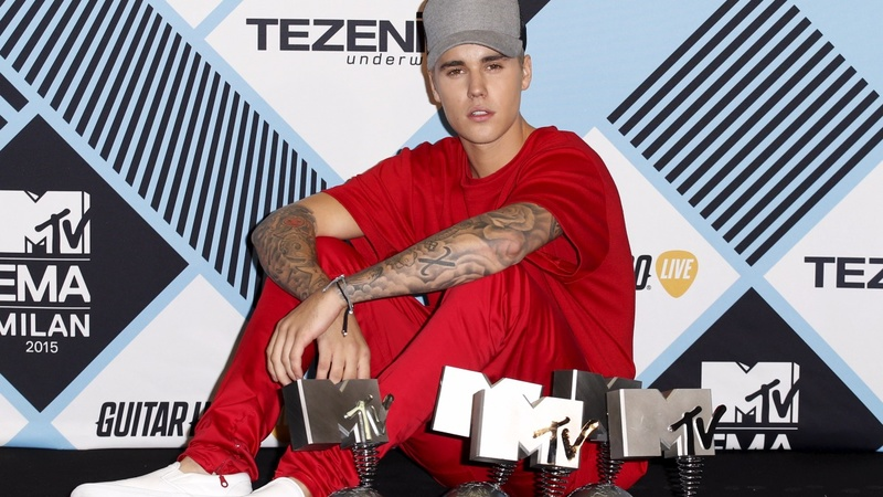 Justin Bieber rules MTV EMAs in Milan