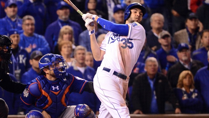 Wild World Series opener ends with KC win