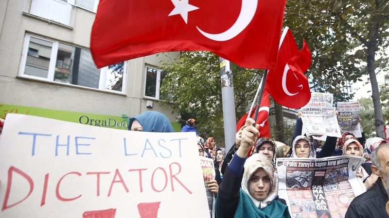 Police vs protesters in Turkey riots