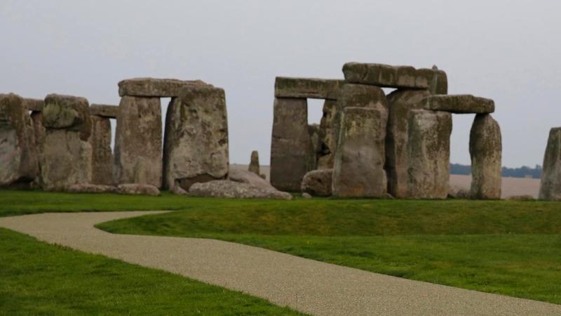 Prehistoric 'eco home' found near Stonehenge