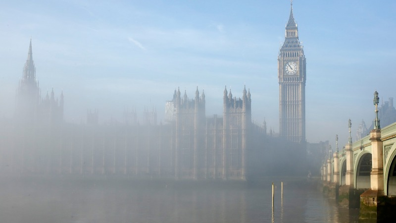 UK fog blanket causes flight havoc