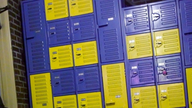 Transgender student can use girls' locker room
