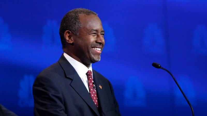 Ben Carson edges past Trump