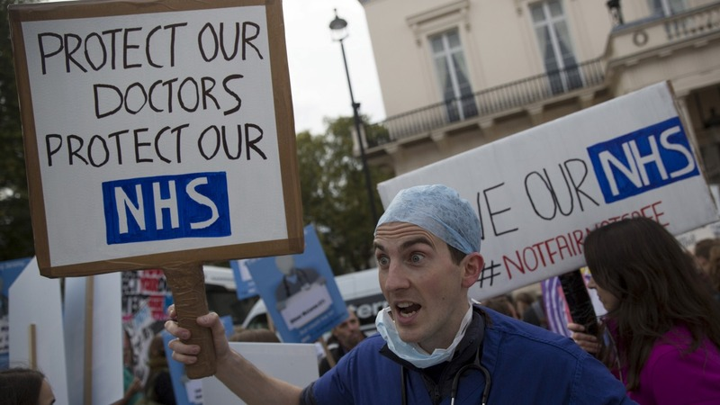 11% pay rise offer for NHS junior doctors
