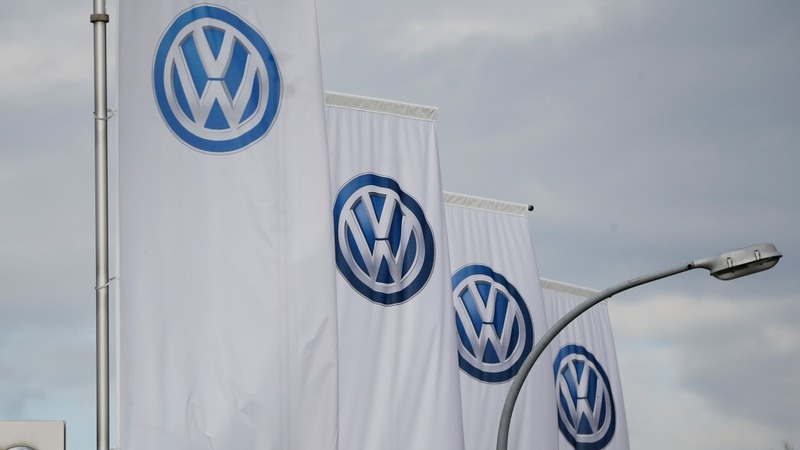 VW shares take a 10% nosedive