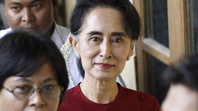 Myanmar votes in first free poll for 25 years