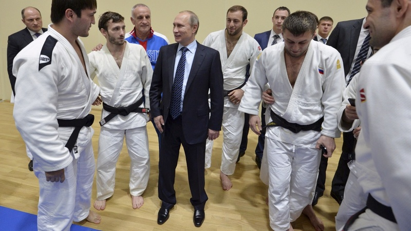 Putin pledges cooperation with doping probe