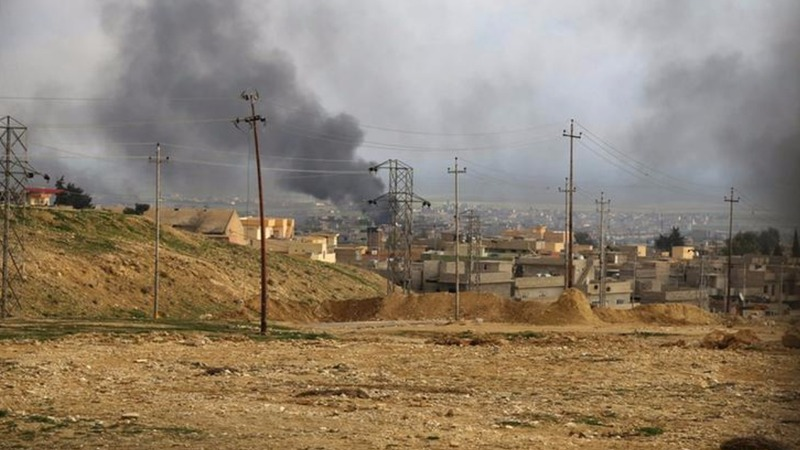 Kurds lay siege to key IS-held town