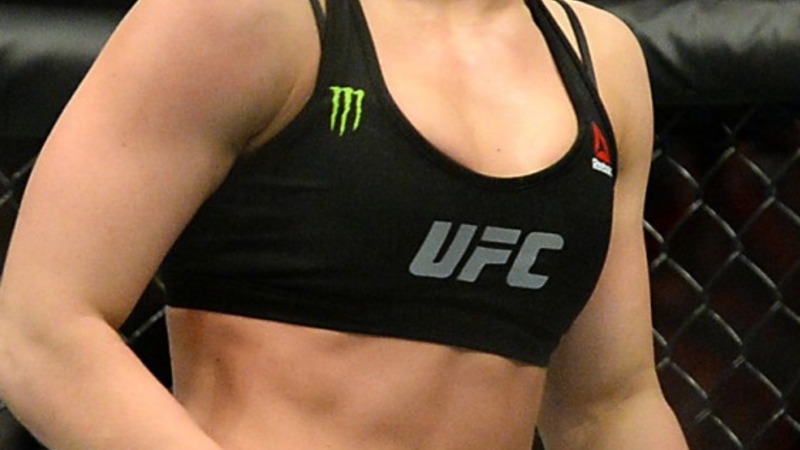 Rousey stunned in UFC title bout