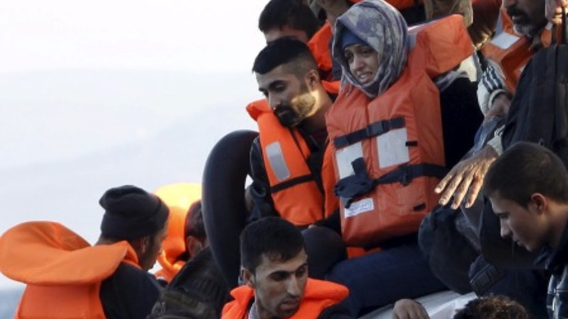 U.S. governors push back on Syrian refugees