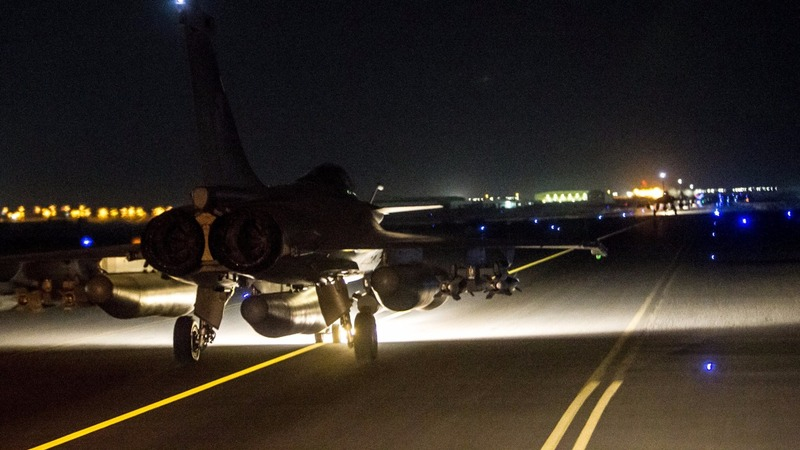 French jets renew strikes on Islamic State