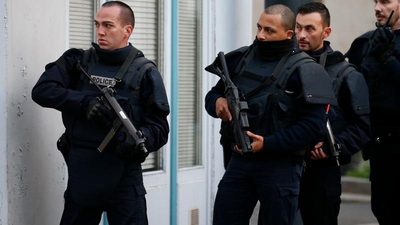 Paris police battle terror suspects