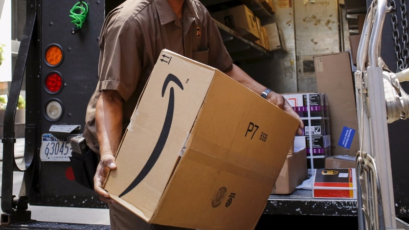 Big retailers struggle to move in on Amazon
