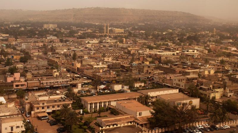 Gunmen storm Mali hotel
