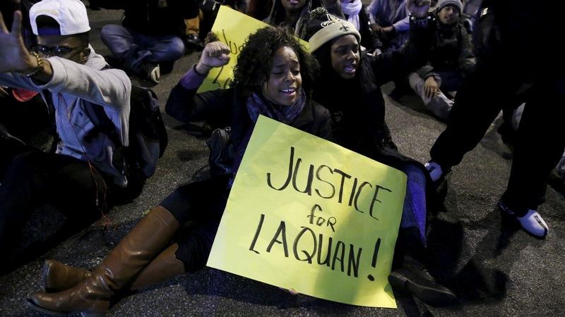 Chicago cop must argue killing was 'reasonable'