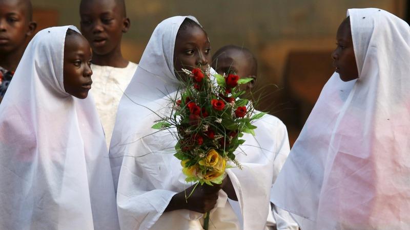Pope in Africa: Final day in war-torn Bangui