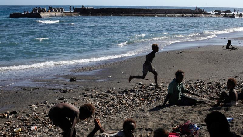Climate refugee warning at Paris talks