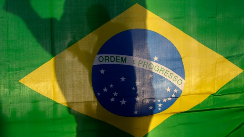 Brazil's climate posse balloons to 800 people