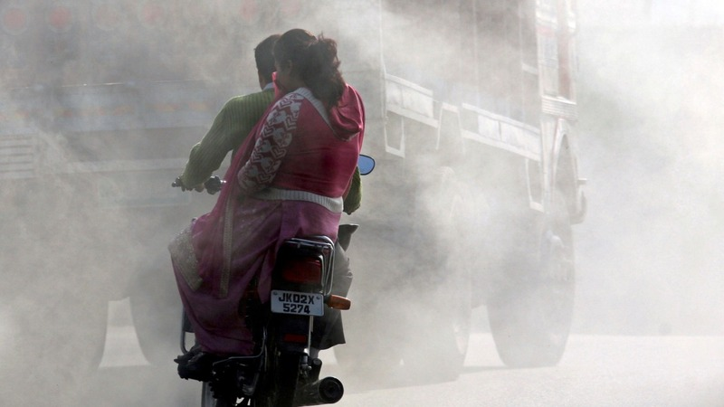 India to ban old trucks spewing toxic air