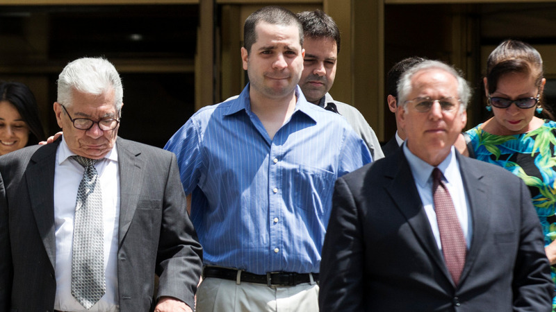 'Cannibal cop' cleared of charges