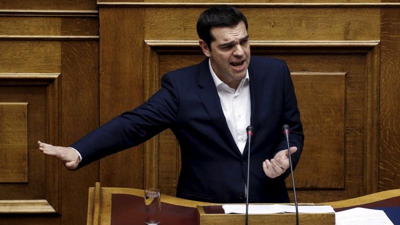 Greece narrowly passes 2016 austerity budget