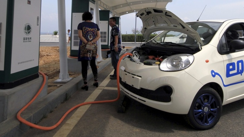 The electric car market steers toward China